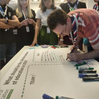 Young people participating to a youth consultation activity  during the World Non-Formal Education Forum (Rio de Janeiro, December 2019)