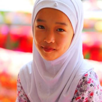 A girl of Donggan natonality