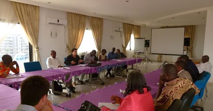 Les acteurs nationaux de l'eau lors de la rencontre de consultation.